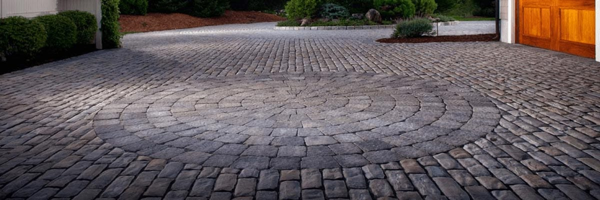Benefits - Stone Pavers Create a Circle Shape